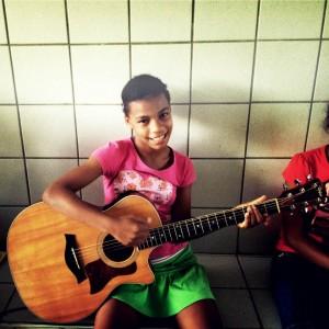 Carine_guitar